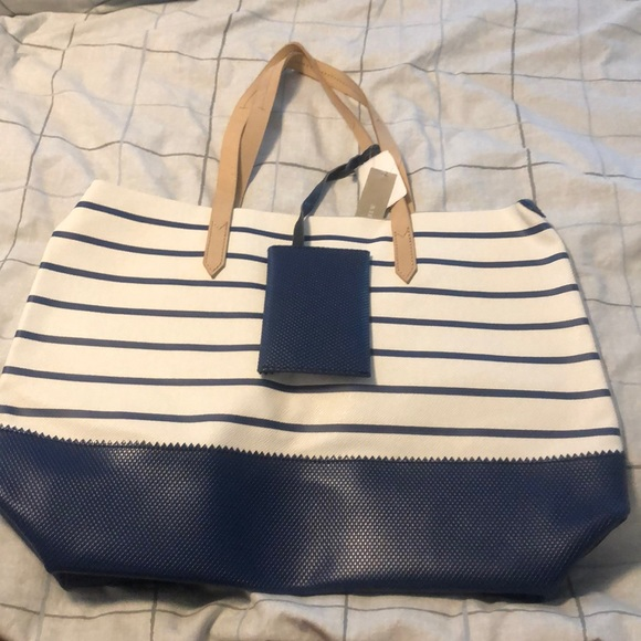 J. Crew Handbags - J crew downing tote in navy stripe. nWT